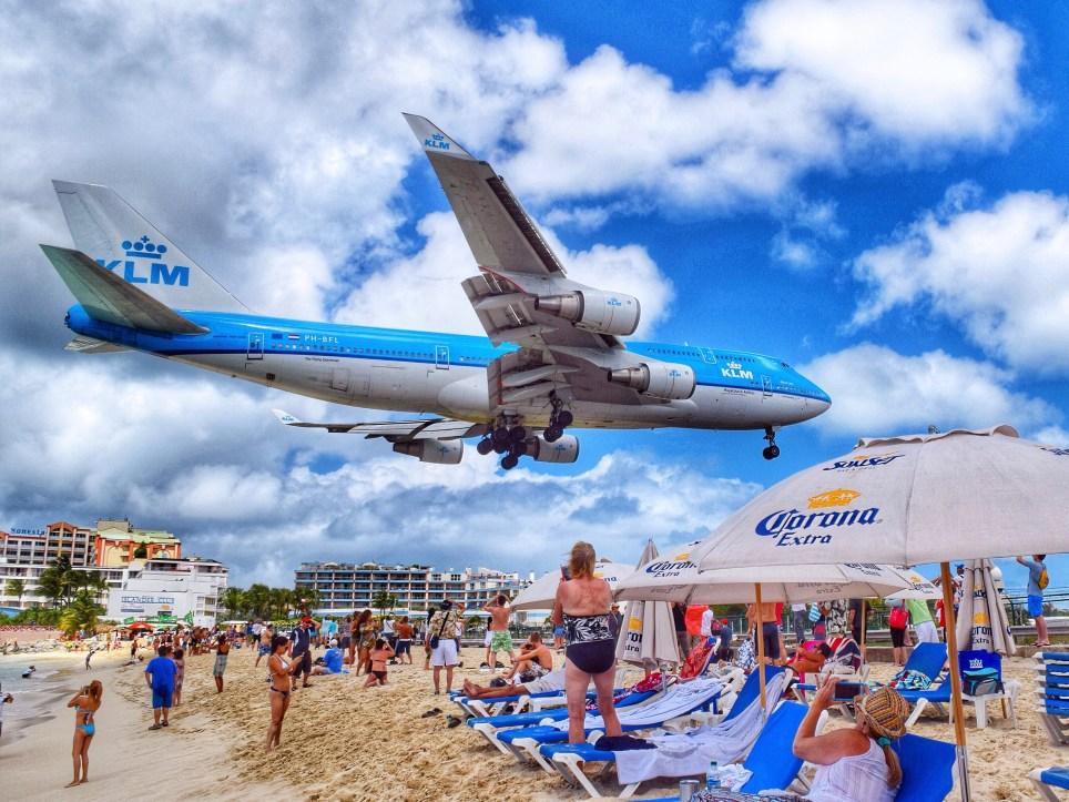 Plane Landing Over Maho Beach (Picture: Chloe
