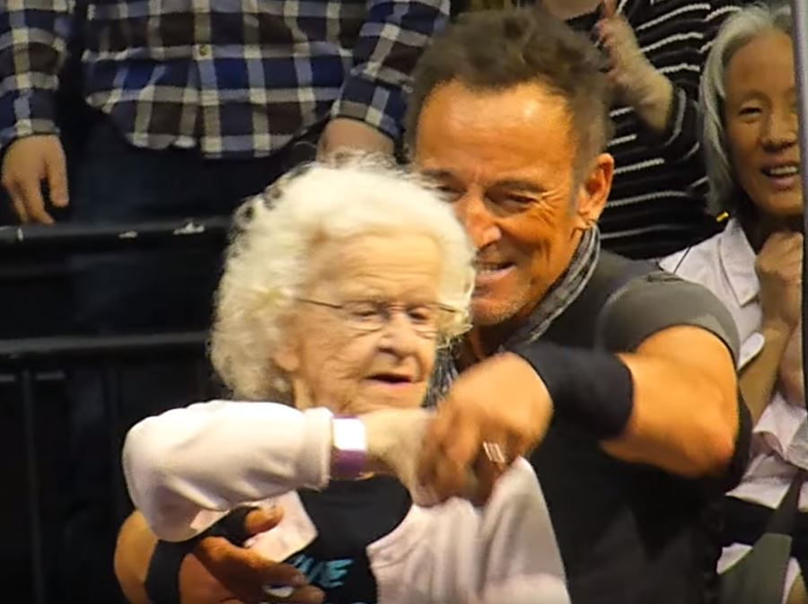 Bruce Springsteen brought a 91-year-old woman on stage for a boogie during Dancing In The Dark