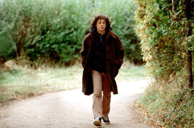 Television programme : JONATHAN CREEK...Picture Shows: Alan Davies as Jonathan Creek in the fourth series of Jonathan Creek TX; BBC ONE 2003 WARNING: This copyright image may be used only to publicise current BBC programmes or other BBC output. Any other use whatsoever without specific prior approval from the BBC may result in legal action. ...BBC BBC 2003