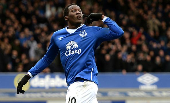 Chelsea want summer transfer of Everton striker Romelu Lukaku