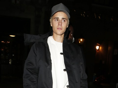 Justin Bieber has settled a lawsuit that claimed he kicked a photographer