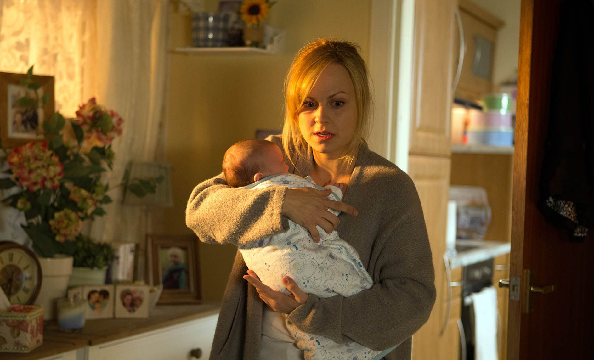 Tina O'Brien thinks 'it's a shame' fans compare Corrie and EastEnders storylines