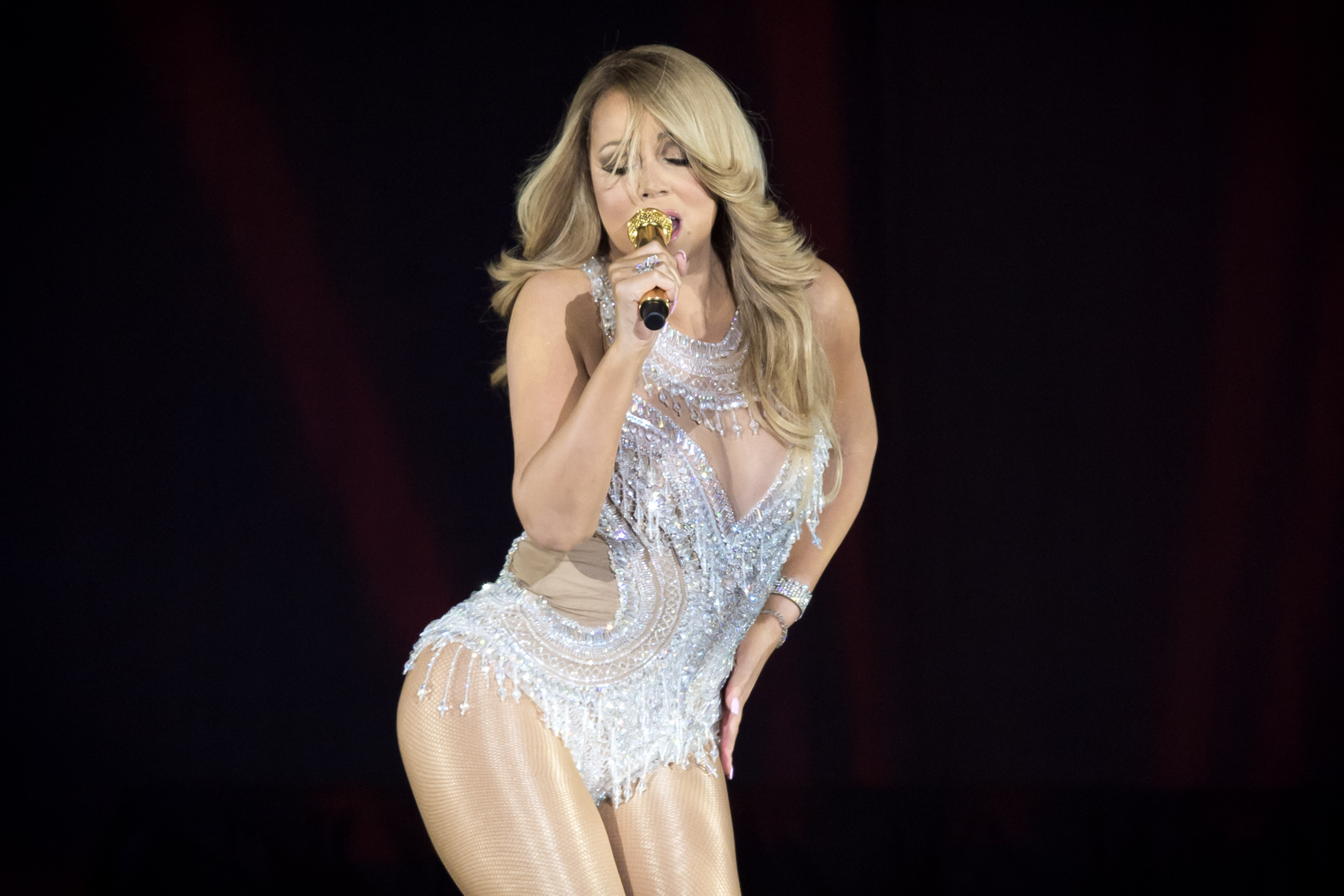 Mariah Carey does very Mariah Carey thing, 'insures parts of her body for $70 million'