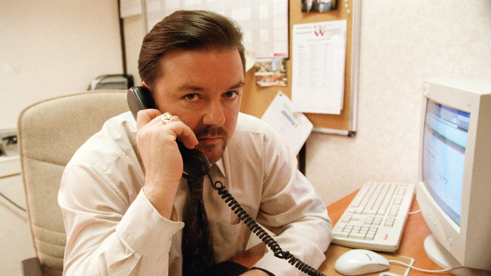 Ricky Gervais just shared this hilarously scathing first review of The Office
