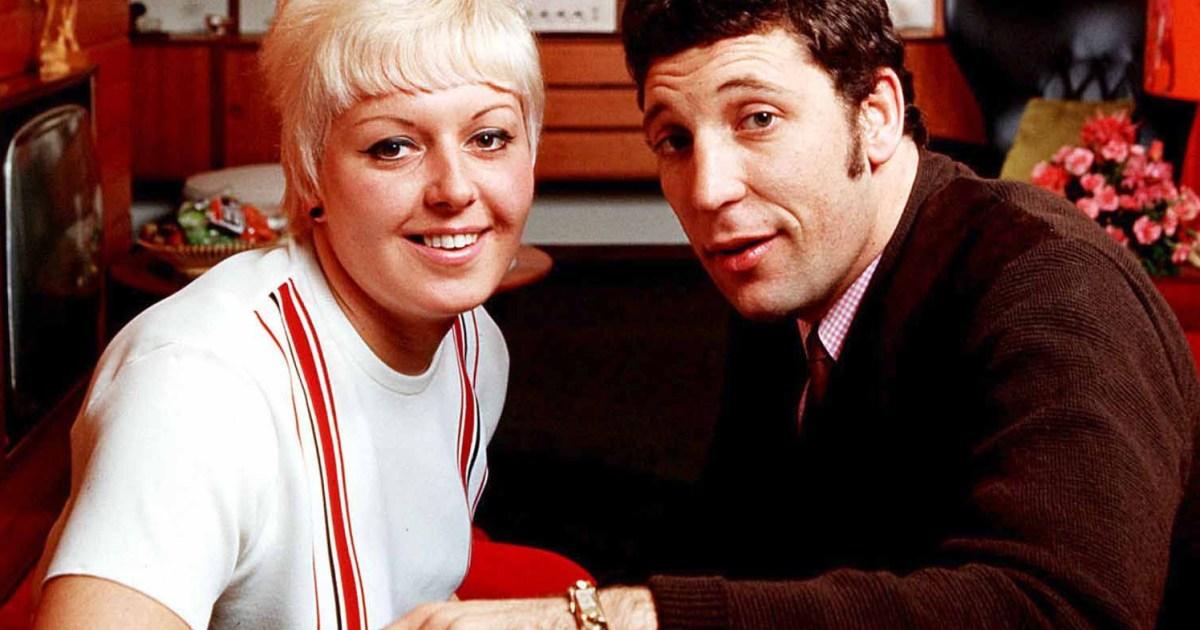 Tom Jones' wife Melinda Rose Woodward dies after battle with cancer