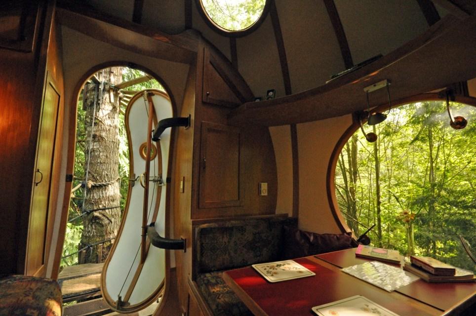 Extreme Treehouses