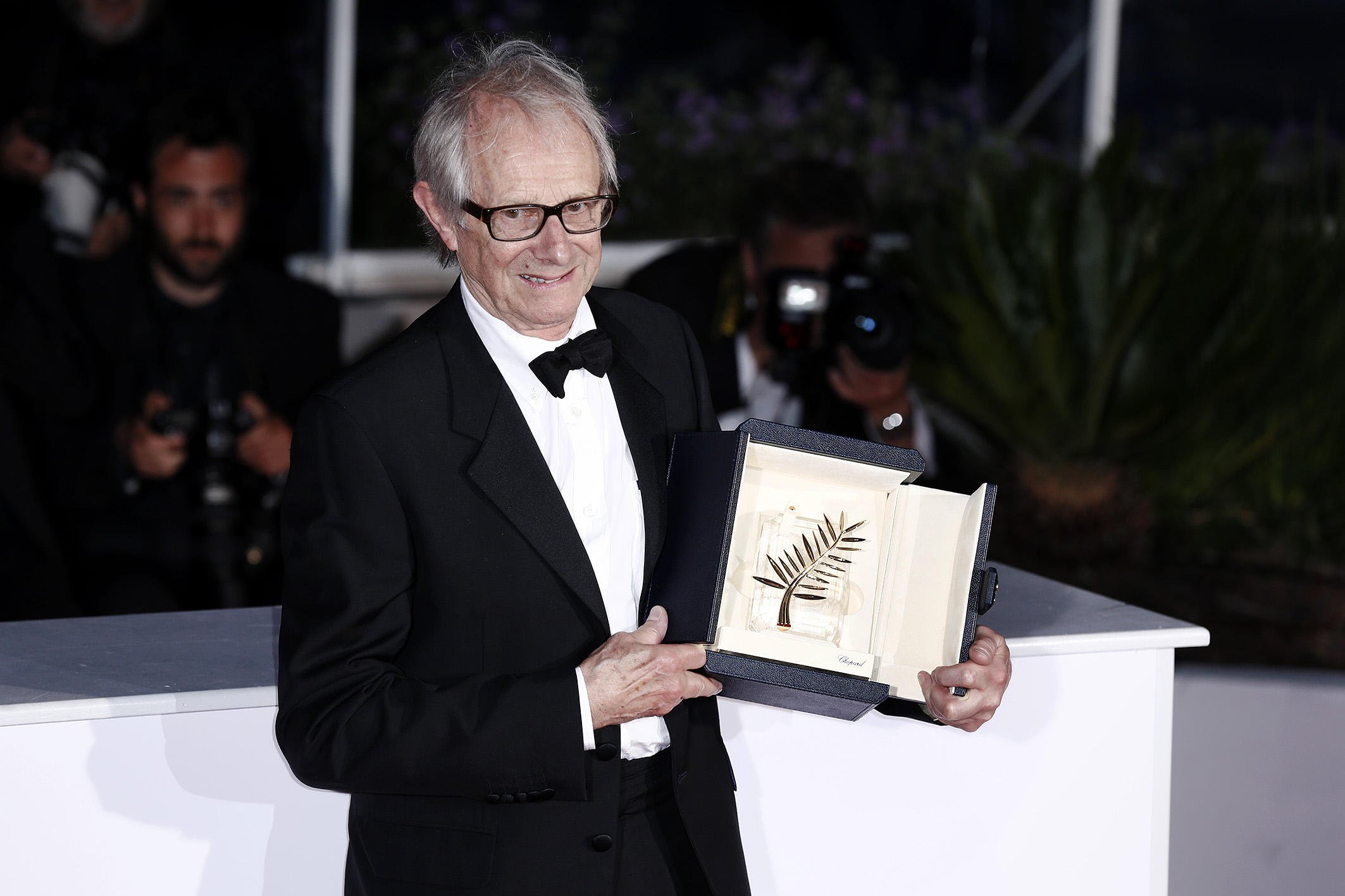 69th Cannes Film Festival - Award Winners - Photocall Featuring: Ken Loach Where: Cannes, France When: 22 May 2016 Credit: KIKA/WENN.com **Only available for publication in UK, Germany, Austria, Switzerland, USA**