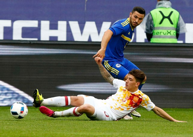 Football Soccer - Spain v Bosnia and Herzegovina - International Friendly - St. Gallen, Switzerland - 29/05/16. Spain's Hector Bellerin and Bosnia and Herzegovina's Sead Kolasinac in action REUTERS/Arnd Wiegmann