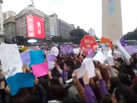 Justin Bieber fans are protesting in Argentina because he's banned from touring