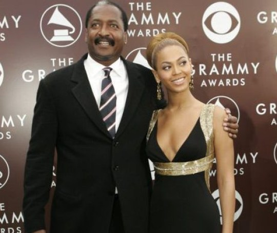 Singer Beyonce and her father Matthew Knowles arrive at the 47th annual Grammy Awards at the Staples Center in Los Angeles February 13, 2005. REUTERS/Robert Galbraith