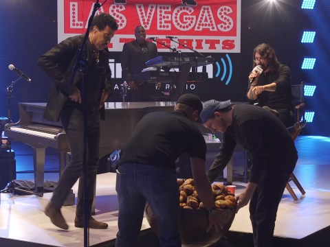 Why has Dave Grohl just given Lionel Richie an enormous bowl of muffins?