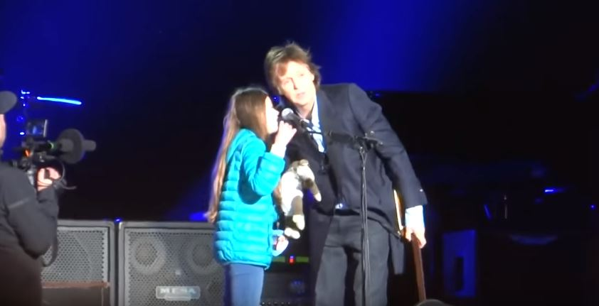 Cheeky 10-year-old gets up on stage and demands a duet with Paul McCartney