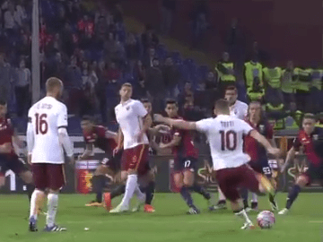 Video: AS Roma's Francesco Totti rolls back the years with stunning free-kick