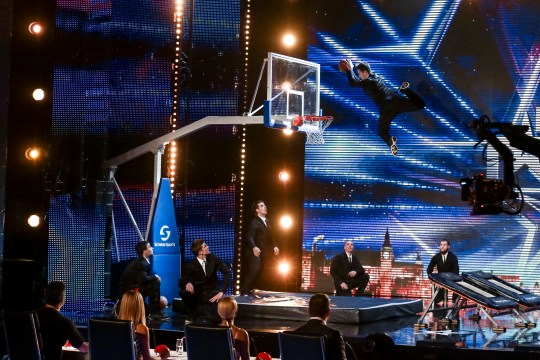 A THAMES/SYCO TV PRODUCTION FOR ITV PICTURE SHOWS: DUNKING DEVILS UNDER STRICT EMBARGO UNTIL 00.01 ON SATURDAY 21ST MAY 2016. BRITAIN'S GOT TALENT  This Spring, the one and only BritainÕs Got Talent is back and celebrating 10 triumphant years of talent. The dream team of judges - Simon Cowell, Amanda Holden, Alesha Dixon and David Walliams - once again take their places on the panel, in search of the most astonishing and exhilarating talent around. They are joined by the nationÕs favourite TV duo Ant & Dec, who will be on hand to encourage, congratulate and commiserate the variety of acts whilst guiding the audience through the auditions.