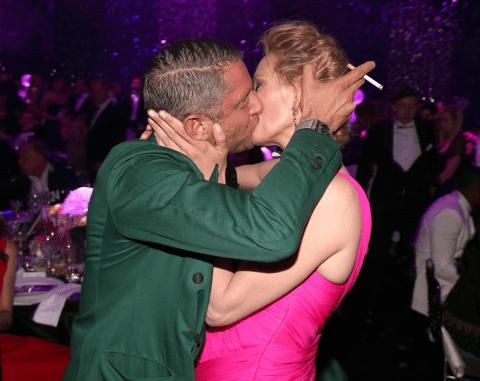 Uma Thurman 'violated' by AMFAR kiss