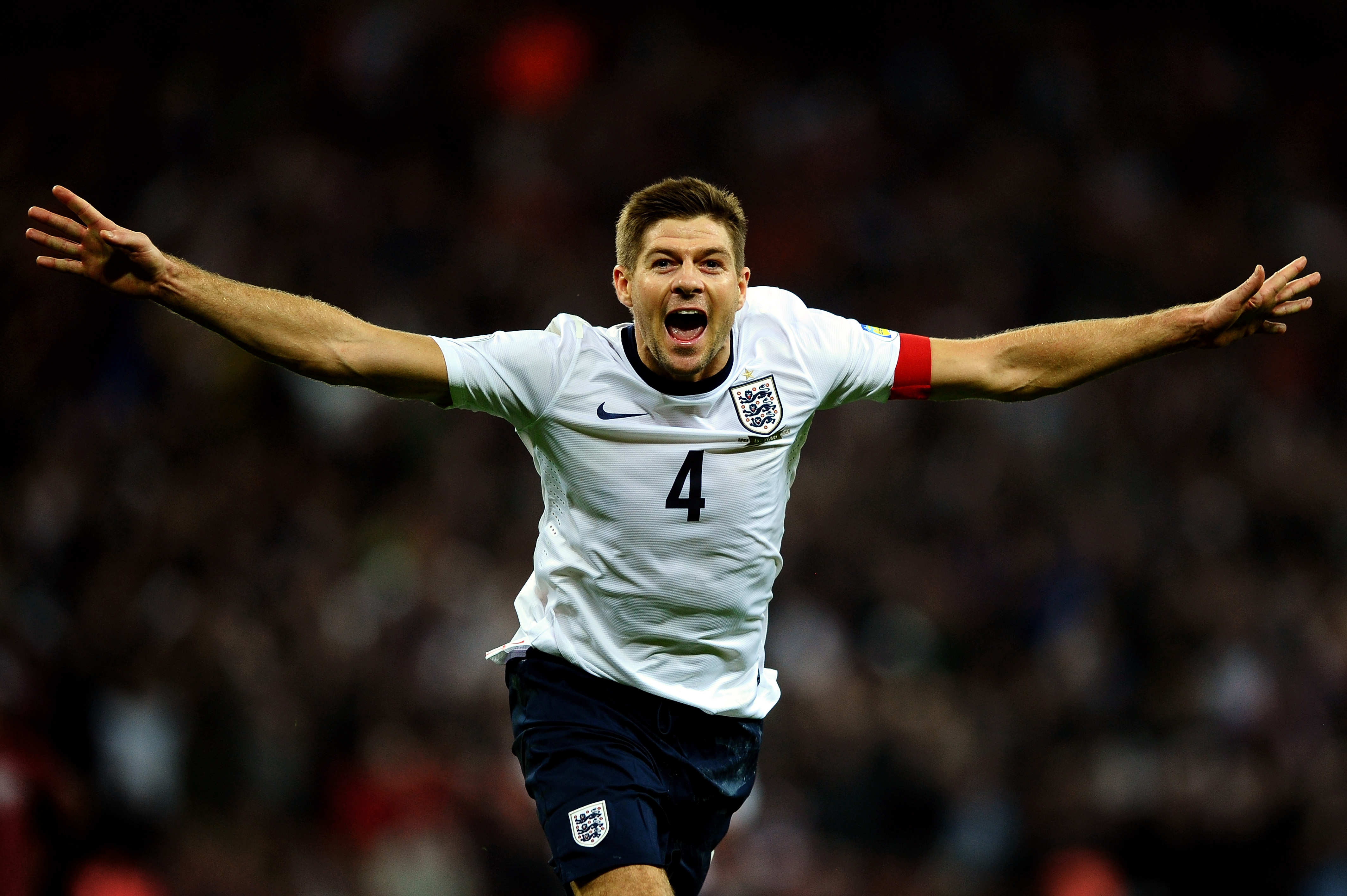 Steven Gerrard: England were too scared of bad headlines to beat Iceland