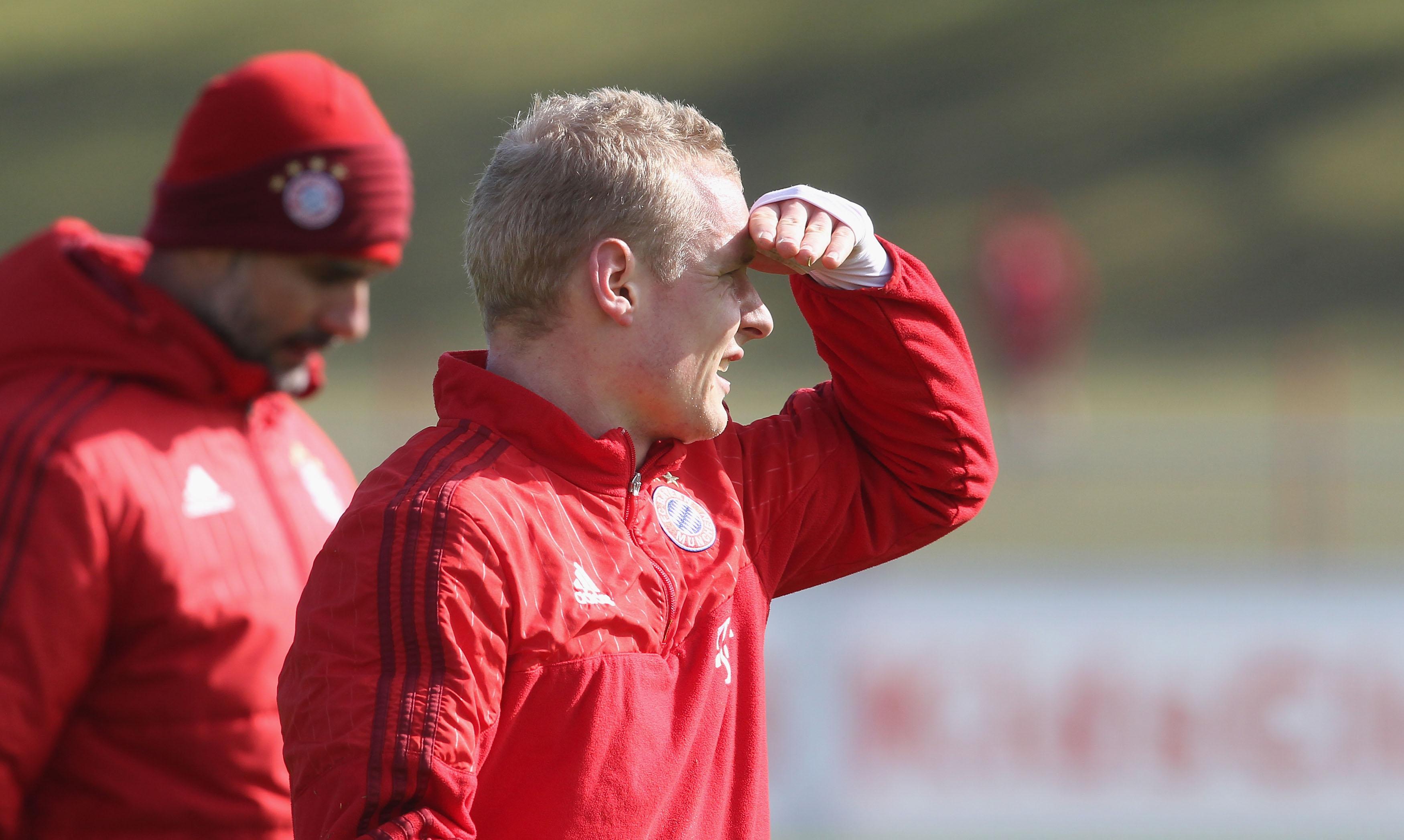 Borussia Dortmund sign Sebastian Rode from rivals Bayern Munich