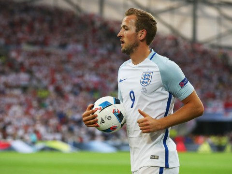 'Ask someone else to take them' – Alan Shearer does not understand why Harry Kane is taking corners for England