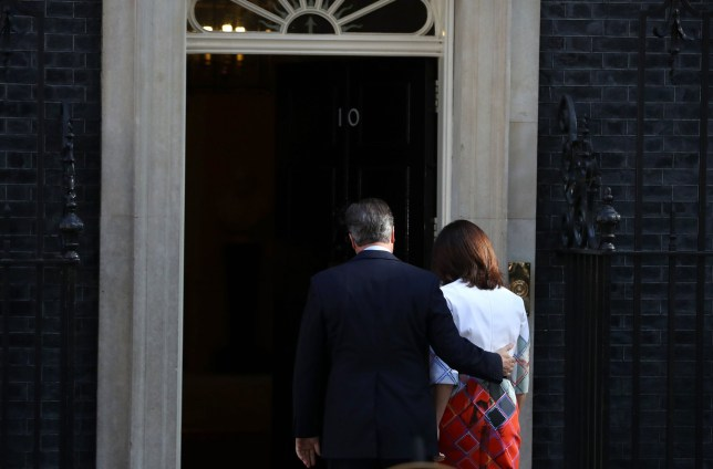 LONDON, UNITED KINGDOM - JUNE 24: British Prime Minister David Cameron holds with his wife Samantha Cameron walking back after resigning on the steps of 10 Downing Street on June 24, 2016 in London, England. The results from the historic EU referendum has now been declared and the United Kingdom has voted to LEAVE the European Union. (Photo by Dan Kitwood/Getty Images) ***BESTPIX***