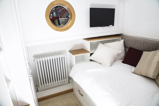 2 Bedroom Luxury Houseboat Costs Less Than Most Flats In