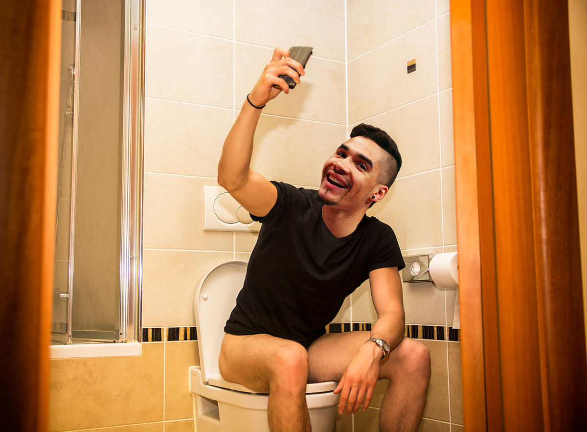 Louis Smith might be sending you Tinder messages on the toilet