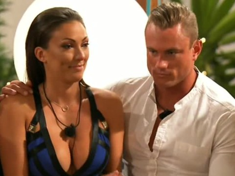 Love Island 2016: Sophie Gradon QUITS for Tom Powell – and he doesn't even have her number