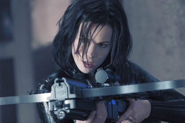 FILM ' Underworld 2: Evolution ' (2006) Starring: Kate Beckinsale KATE BECKINSALE stars in 'Underworld: Evolution' USA - January 2006