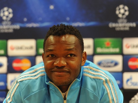 Crystal Palace complete signing of goalkeeper Steve Mandanda but fans hope they won't see howlers like this