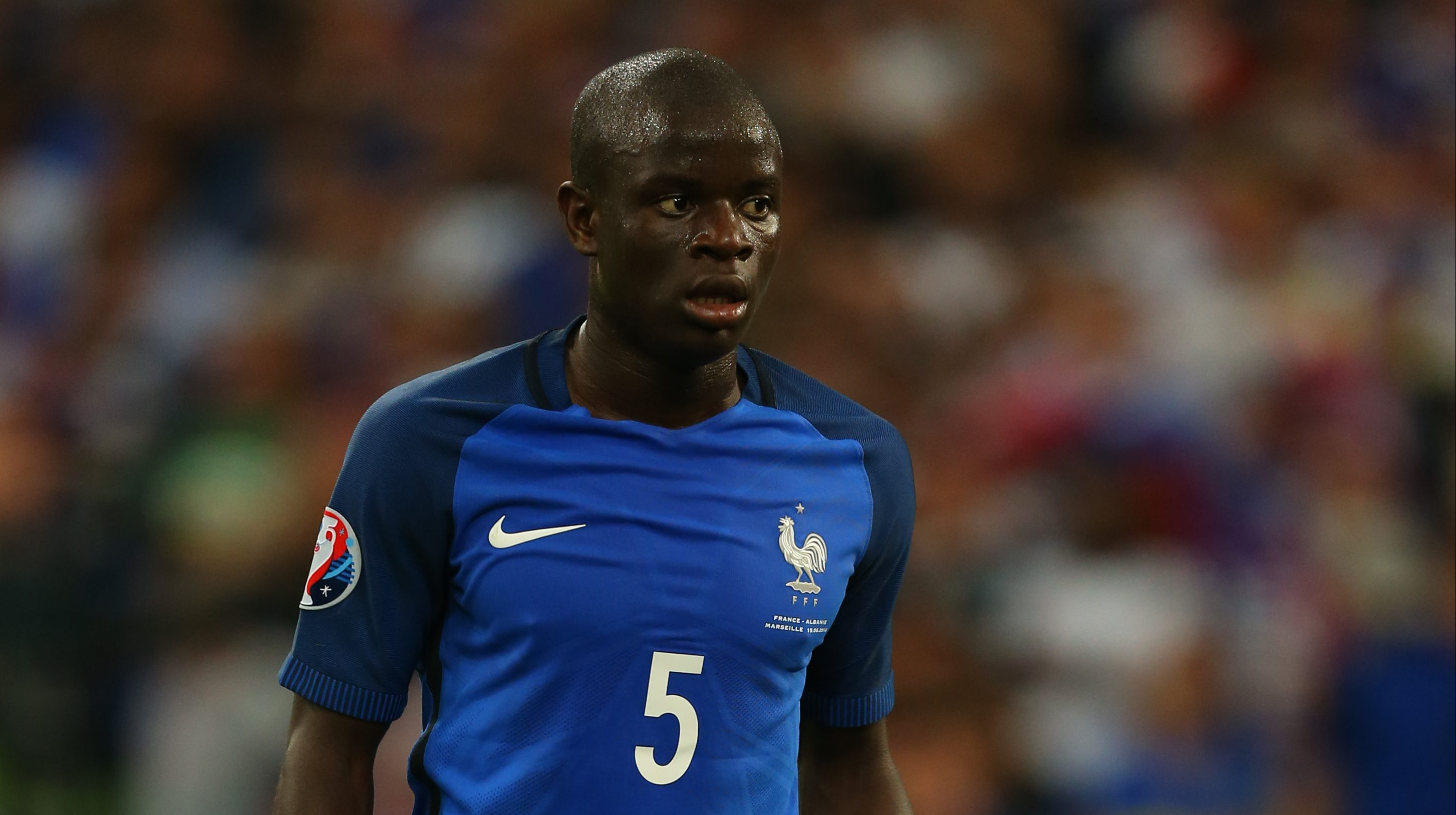 Chelsea set to complete transfer of Leicester City midfielder N'Golo Kante