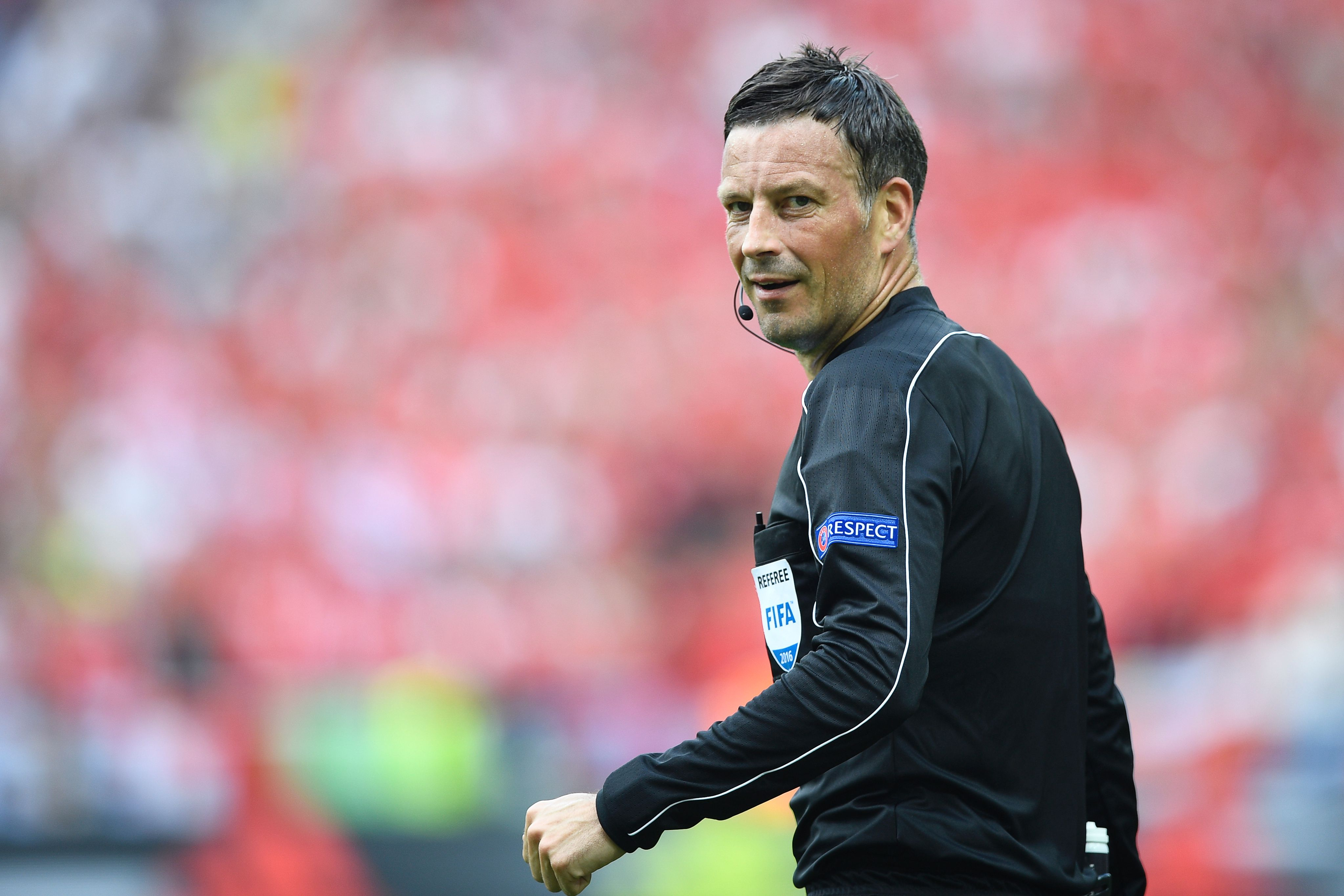 Mark Clattenburg to referee Euro 2016 final in Paris as France face Portugal