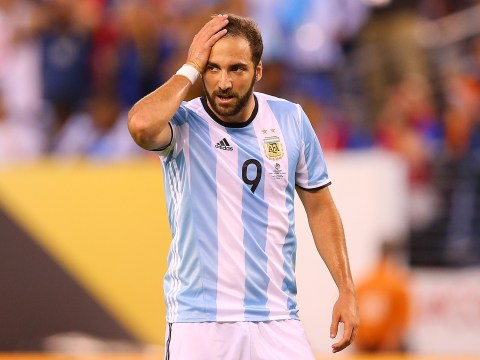 Napoli issue hands off warning for Arsenal and Juventus transfer target Gonzalo Higuain