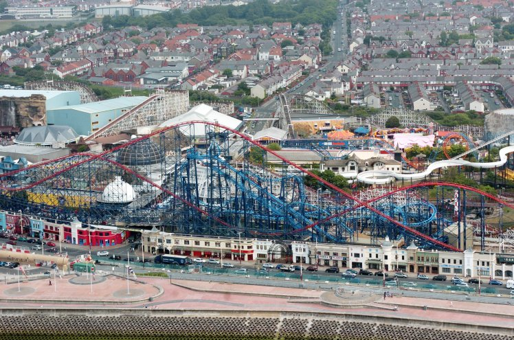 They broke into Blackpool Pleasure Beach at around 4am (Picture: Ross Parry)