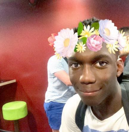 portobello road stabbing victim pictures and tributes from social media / Fola Orebiyi, 17, has been named as the victim of a fatal stabbing in Notting Hill - teenager was stabbed in front of horrified tourists after fleeing from a gang of youths on bikes. Fola