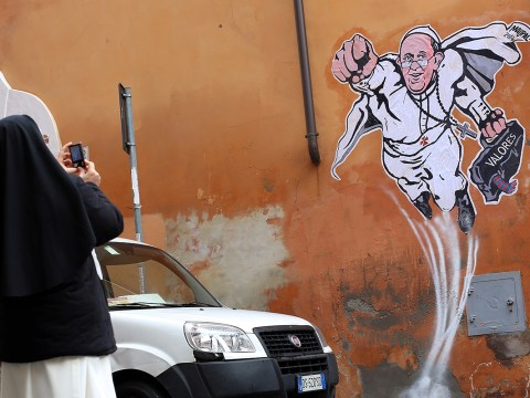 Pope tells nuns not to use social media