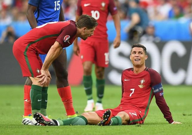 Kết quả hình ảnh cho Ronaldo euro cry