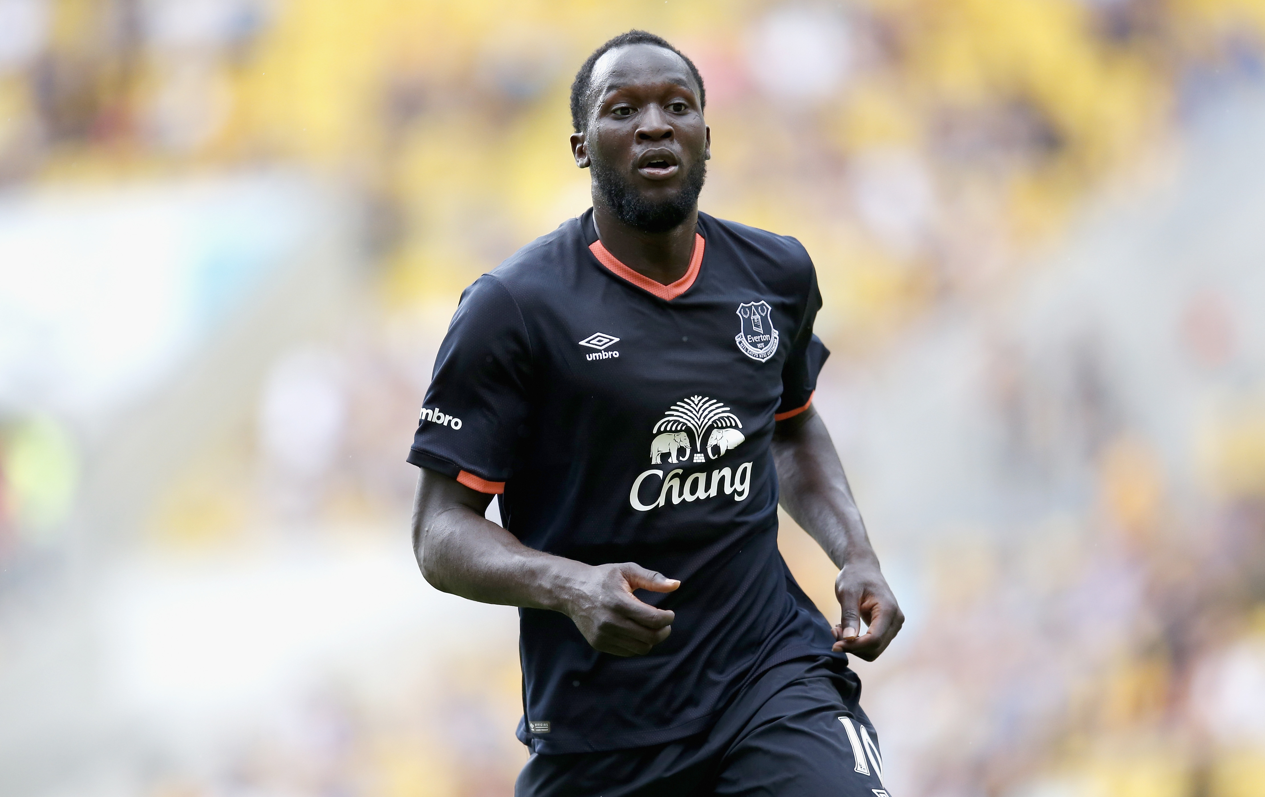 Romelu Lukaku could hand in transfer request to force Chelsea move