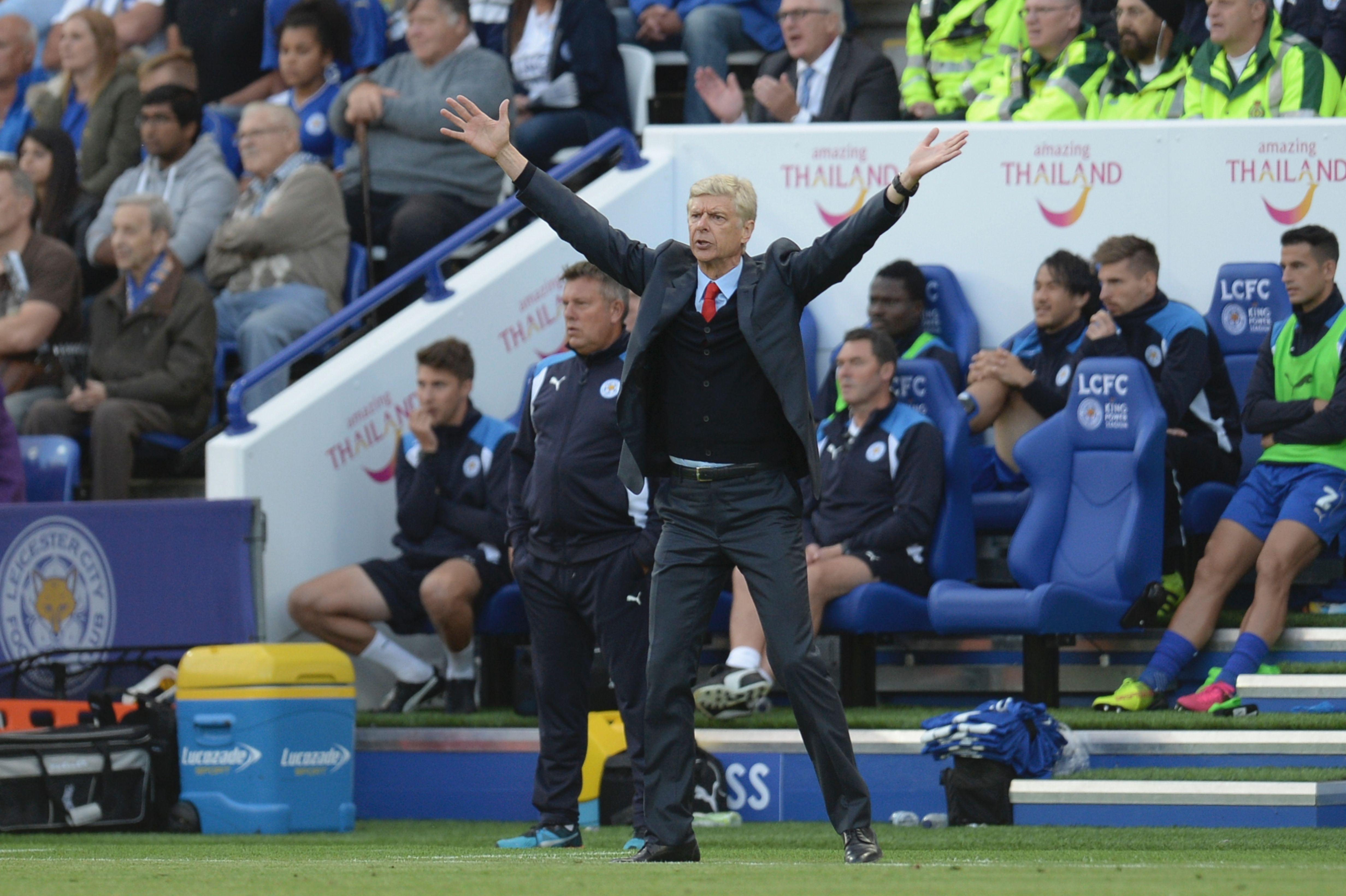 Arsene Wenger feels Arsenal are underdogs against Paris Saint-Germain in Champions League