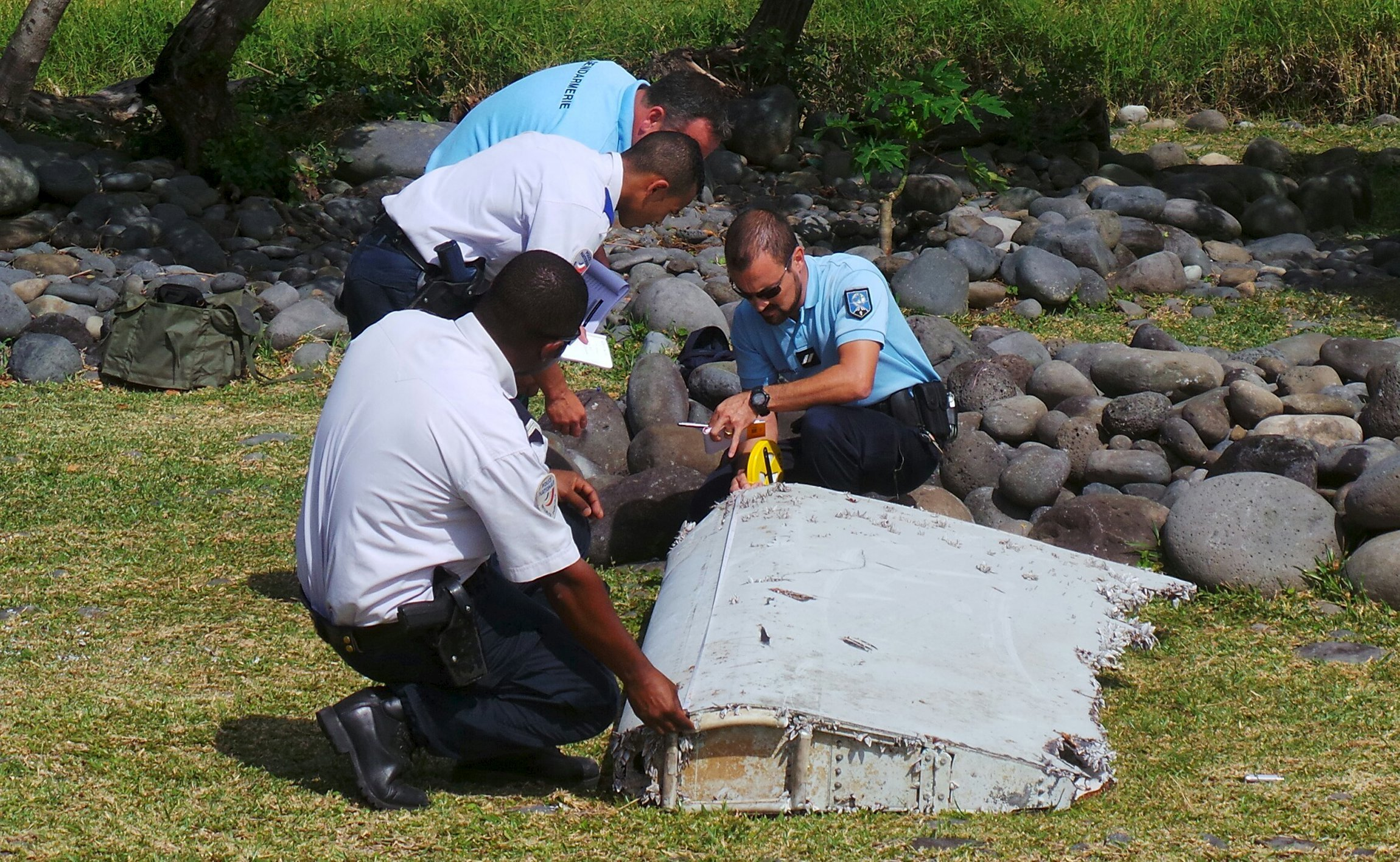 MH370 was flown into water 'deliberately', crash expert says