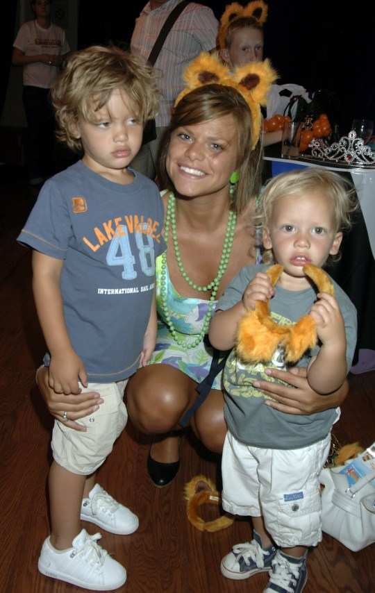 Photo of Jade Goody with her 2 sons Freddy and Bobby from a red carpet event please