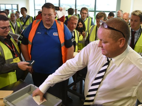 Mike Ashley pulls out huge wads of £50 notes in Sports Direct warehouse
