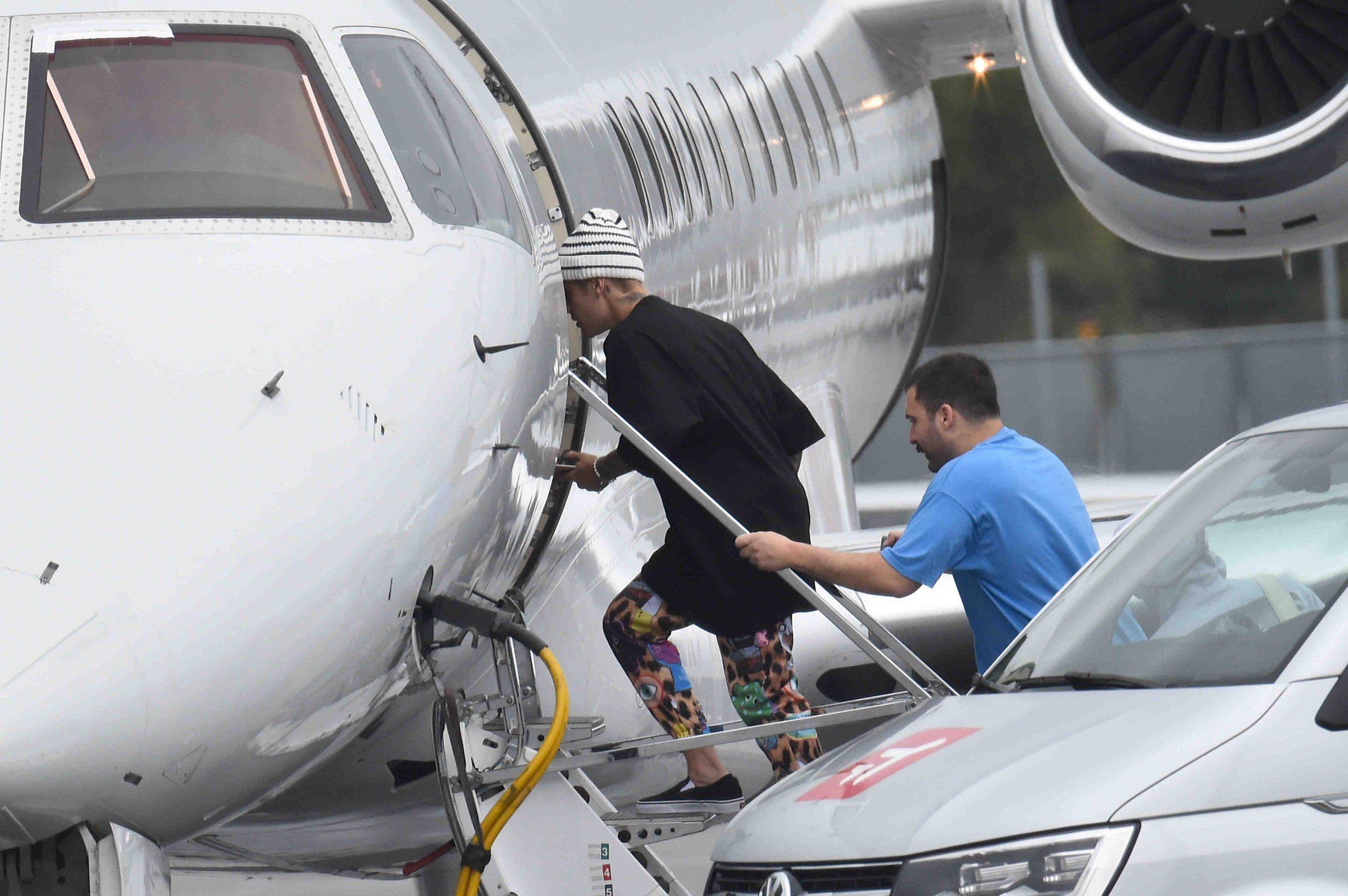 Mandatory Credit: Photo by BabiradPicture/REX/Shutterstock (5899163f) Justin Bieber Justin Bieber at Munich airport, Germany - 18 Sep 2016