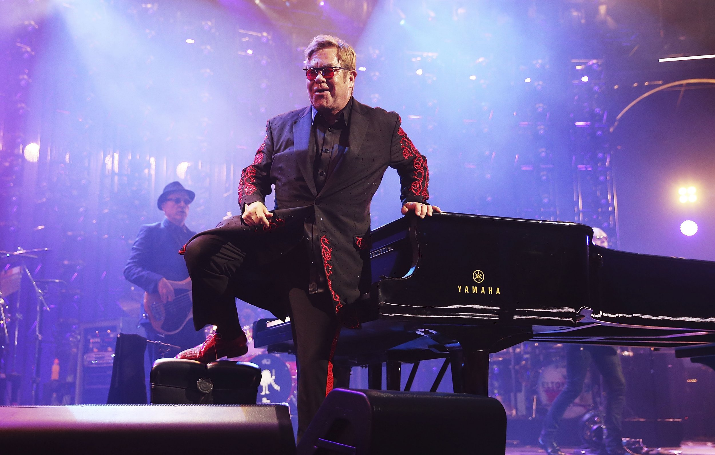 No, Sir Elton John is not planning his retirement from the music business