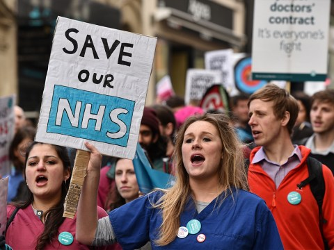Junior doctors lose High Court fight to stop Jeremy Hunt imposing contracts