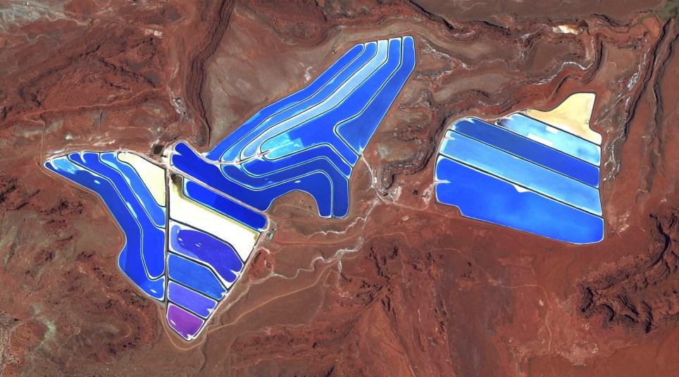 06-moab-potash-evaporation-ponds