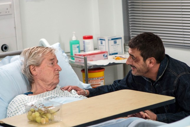 FROM ITV STRICT EMBARGO - NO USE BEFORE TUESDAY 18 OCTOBER 2016 Coronation Street - Ep 9020 Monday 24 October 2016 - 2nd Ep Peter Barlow CHRIS GASCOYNE visits Ken Barlow WILLIAM ROACHE in hospital and asks him if he'd like him to pack his bags as Tracy's suggested. Barely audible how will Ken reply?. Picture contact: david.crook@itv.com on 0161 952 6214 Photographer - Mark Bruce This photograph is (C) ITV Plc and can only be reproduced for editorial purposes directly in connection with the programme or event mentioned above, or ITV plc. Once made available by ITV plc Picture Desk, this photograph can be reproduced once only up until the transmission TX date and no reproduction fee will be charged. Any subsequent usage may incur a fee. This photograph must not be manipulated excluding basic croppin in a manner which alters the visual appearance of the person photographed deemed detrimental or inappropriate by ITV plc Picture Desk. This photograph must not be syndicated to any other company, publication or website, or permanently archived, without the express written permission of ITV Plc Picture Desk. Full Terms and conditions are available on the website www.itvpictures.com