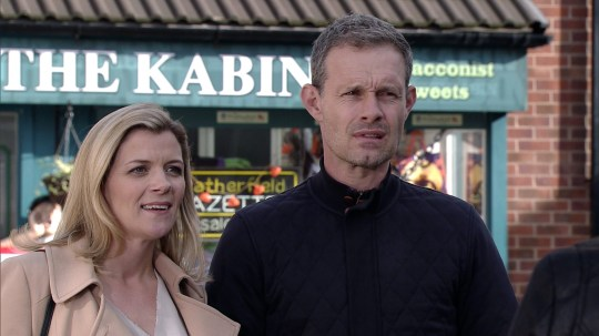 FROM ITV STRICT EMBARGO - NO USE BEFORE TUESDAY 25 OCTOBER 2016 Coronation Street - Ep 9024 Monday 31 October 2016 - 1st Ep NEWS Wishing Leanne Tilsley [JANE DANSON] and Nick Tilsley [BEN PRICE] well with their 20 week scan, Michelle reveals that Steve is hoping she'll have a boy. Will Leanne and Nick decide to find out the sex of her baby at the scan. Picture contact: david.crook@itv.com on 0161 952 6214 Photographer - Mark Bruce This photograph is (C) ITV Plc and can only be reproduced for editorial purposes directly in connection with the programme or event mentioned above, or ITV plc. Once made available by ITV plc Picture Desk, this photograph can be reproduced once only up until the transmission [TX] date and no reproduction fee will be charged. Any subsequent usage may incur a fee. This photograph must not be manipulated [excluding basic cropping] in a manner which alters the visual appearance of the person photographed deemed detrimental or inappropriate by ITV plc Picture Desk. This photograph must not be syndicated to any other company, publication or website, or permanently archived, without the express written permission of ITV Plc Picture Desk. Full Terms and conditions are available on the website www.itvpictures.com