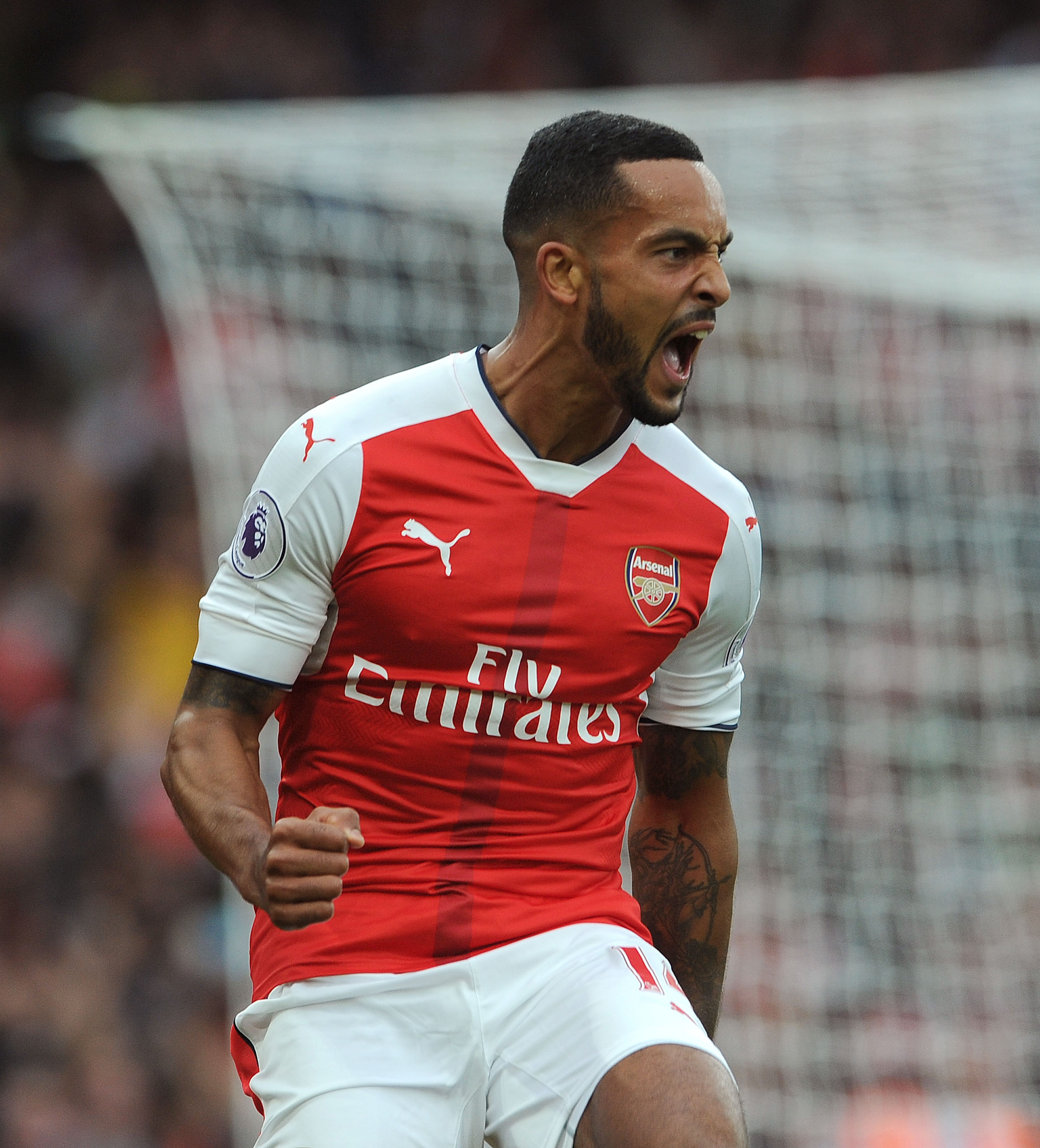 Arsenal Team News: Theo Walcott ruled out with hamstring injury as Arsene Wenger recalls Alex Oxlade-Chamberlain