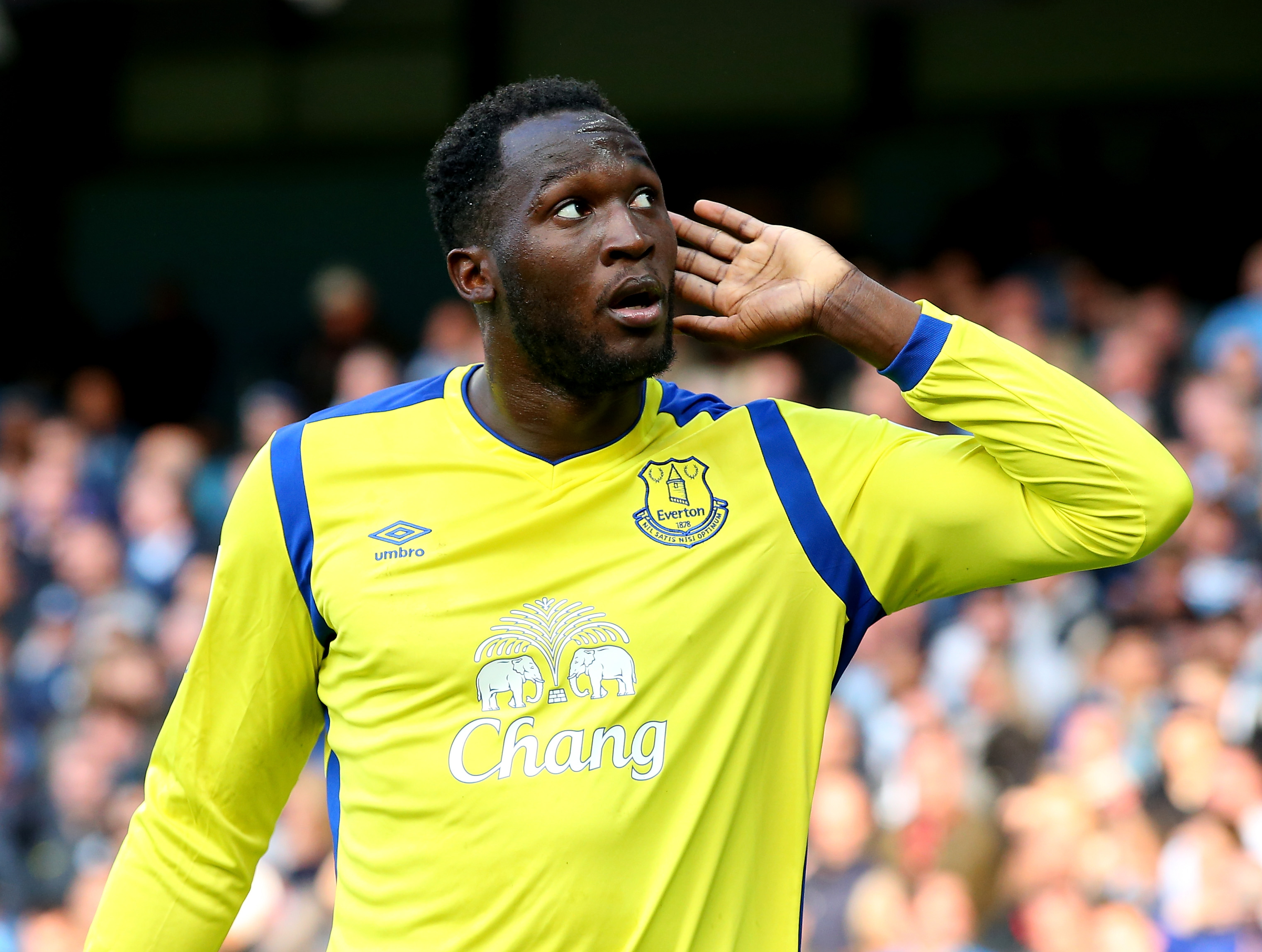 Manchester United and Chelsea on red alert as Ronald Koeman tells Romelu Lukaku he should play for a bigger club than Everton