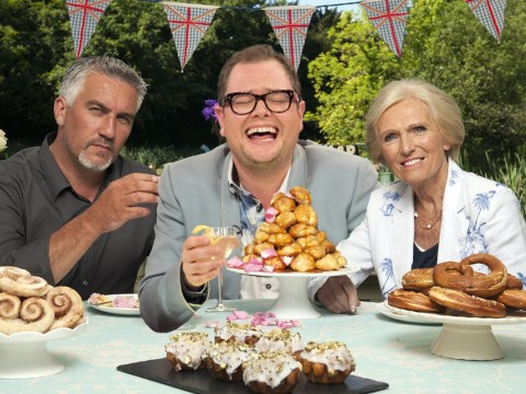 Alan Carr denies he's hosting The Great British Bake Off, says he's not even a big fan of the show