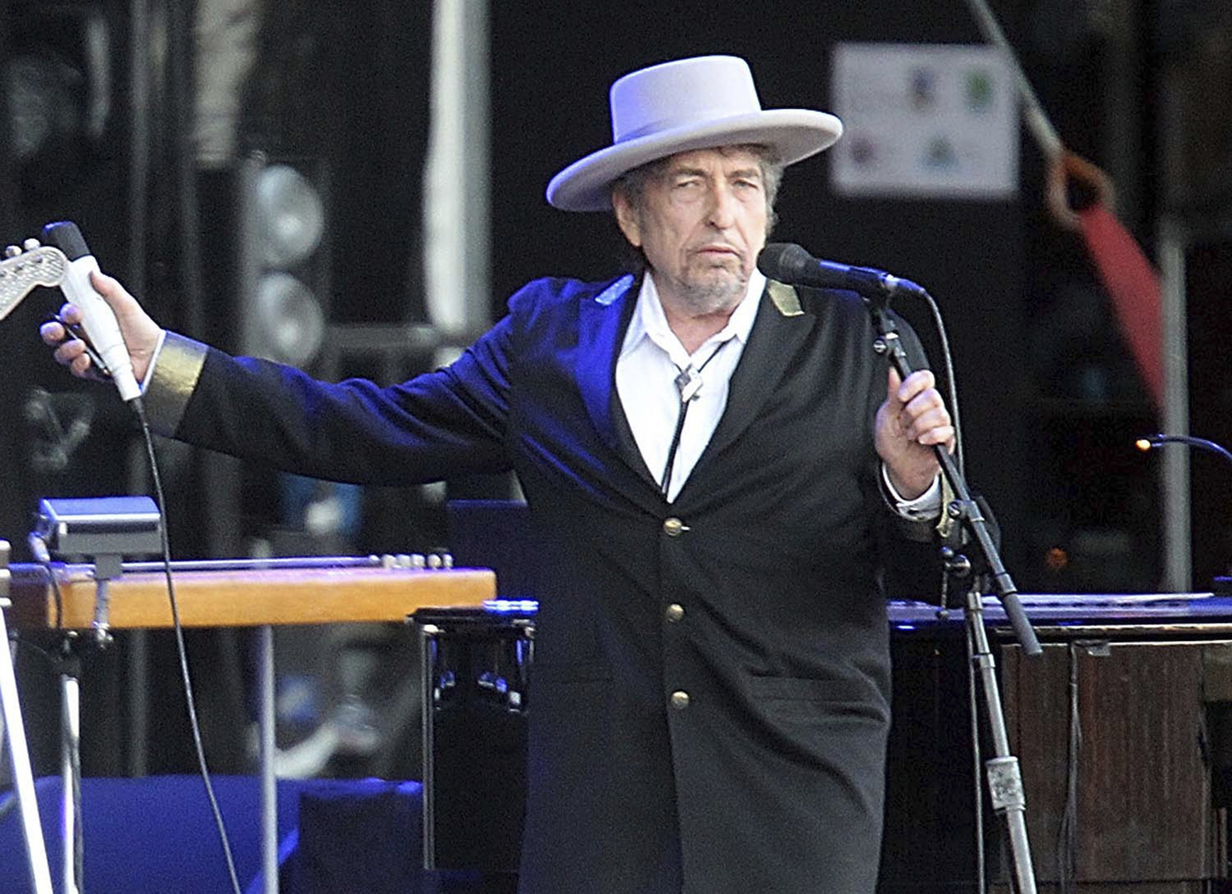 Bob Dylan finally collects his Nobel Prize three months after the ceremony